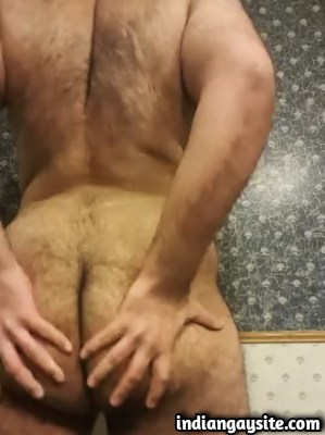 Horny Hairy Bottom Playing with Ass in Desi Gay Porn Video