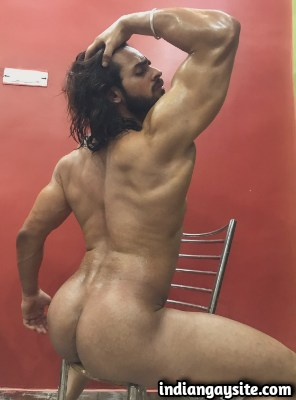 Business Partner Gets Aromatically Seduced in Indian Gay Story
