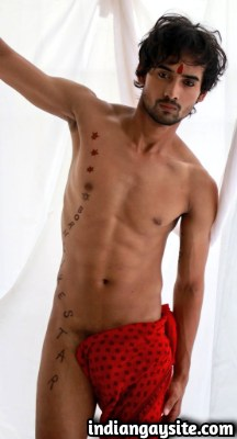 Nude Indian Hunk in a Hot & Sexy Langot