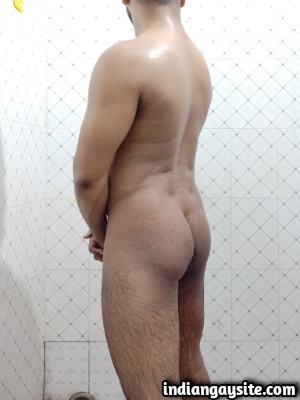 Naked Indian Hunk Exposes Hot Bubble Butt in Bathroom