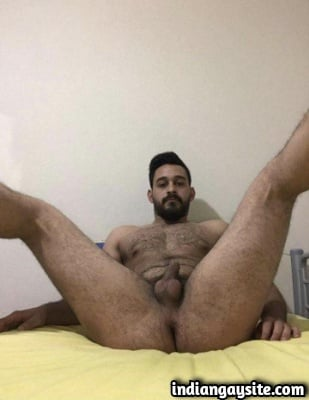 Naked Indian Hunk Shows Hot Body & Ass Hole
