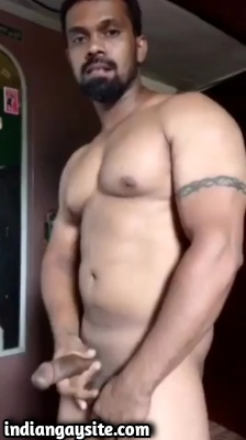 Desi Gay Porn Video of Muscular Hunk Jerking Thick Cock