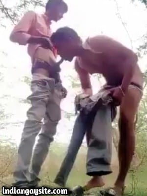 Desi Gay Blowjob Video of Outdoor Suck & Fuck