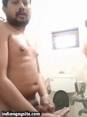 Indian Gay Video of Mature Chub Cumming Hard