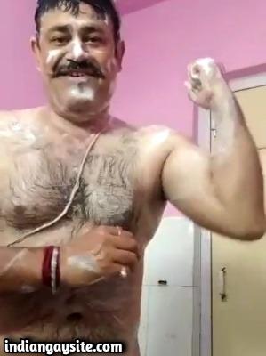 Stocky Man Wanks in Shower in Desi Gay Video