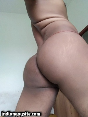 Horny Indian Bottom Shows Smooth Ass & Tight Hole
