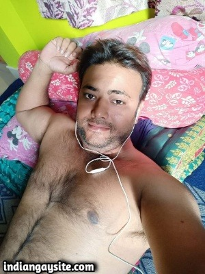 Hairy Indian Hunk Shows Fit Body & Soft Uncut Lund
