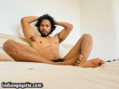 Horny Indian Hunk Exposes Lovely Butt & Body