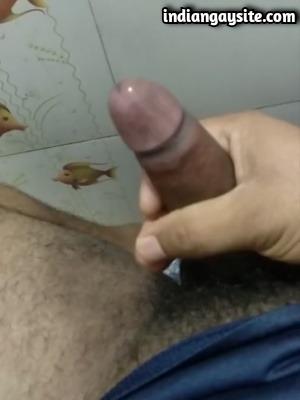 Desi Gay Porn Video of Horny Man's Hard Uncut Cock