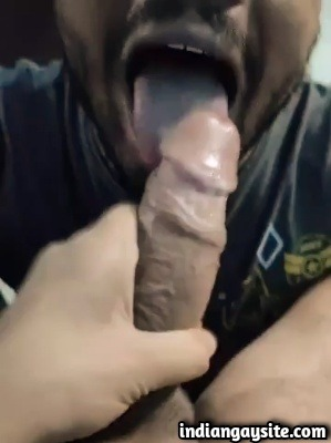 Sucker Swallows Big Dick's Cumshot in Desi Gay Blowjob Video