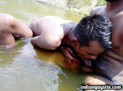 Indian Gay Sex Pics of Slutty Guys Enjoying Blowjob in River
