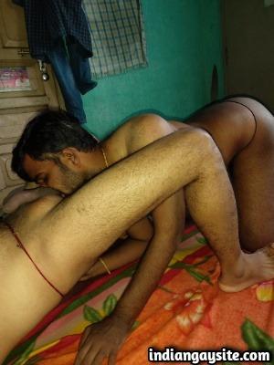 Indian Gay Sex Photos of Horny Guys Blowjob & Rimming