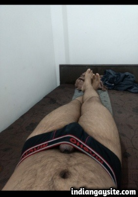 Big Dick Gay Porn of Horny Hunk Showing Thick Uncut Lund