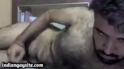 Hairy Gay Bears Video of Hot Hunk's Wild Wanking