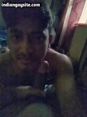 Videos Gay XXX of Indian Twink Sucking Daddy's Cock