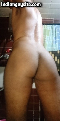 Naked Indian Bottom Shows Sexy Round Ass