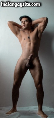 Muscular Gay Hunk Shows Amazing Nude Body in Photoshoot