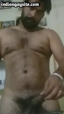 Punjabi Gay Porn of Sexy & Muscular Hunk Wanking