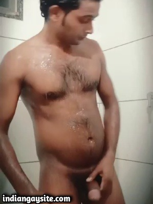 Indian gay porno of nude guy's shower