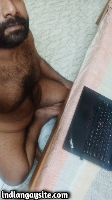 Hairy naked bear shows sexy furry body