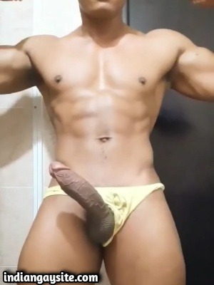 Gay bodybuilder video of sexy muscle hunk