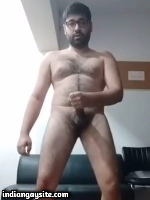 Hairy gay daddy wanking & slapping himself