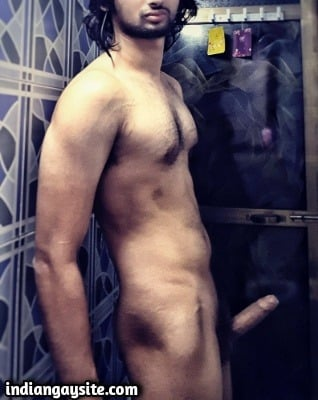 Nude hunk pics of a horny Indian stud