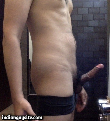 Gay porn pics of sexy Indian hunk in briefs