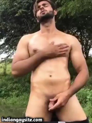 Gay outdoor wank of sexy muscle hunk