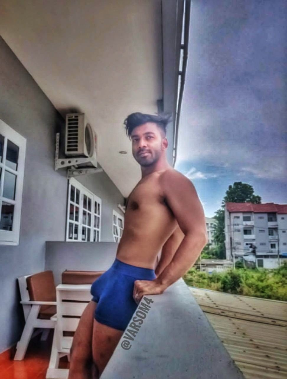 Bulging underwear pics of sexy Indian hunk with boner