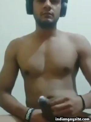 Big cock masturbation video of naked desi hunk