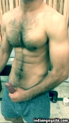 Hairy naked hunk cumming hard on cam show