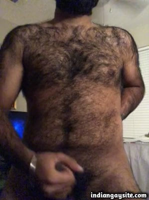 Hairy punjabi man wanking dick naked on cam