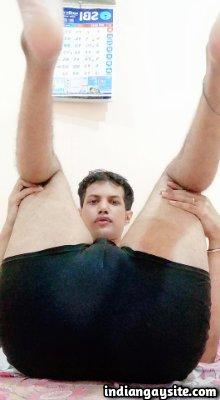 Big smooth ass of a slutty stripping Indian gay man