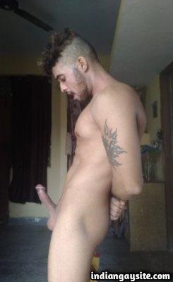 Big boner pics of sexy muscular nude hunk