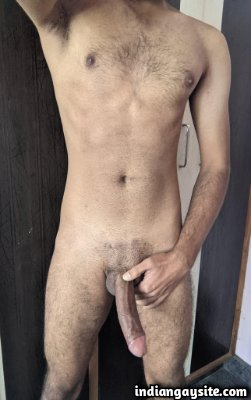 Big dick hunks from India showing off huge boners