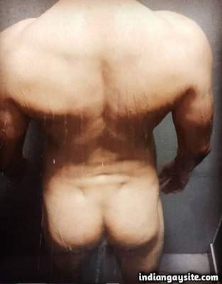 Nude hunk's ass with hot dimples in sexy poses