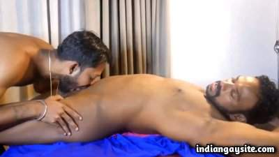 Body kissing video of sexy naked Indian hunks