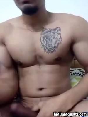 Cam wanking video of sexy nude Delhi hunk
