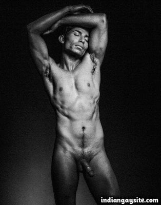Naked modelling pics of a hot and sexy Indian hunk