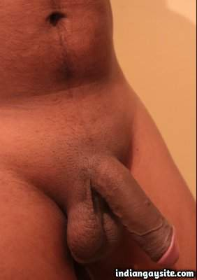 Naked desi guy shows sexy brown ass and body