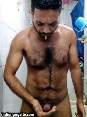 Cum eating man wanks and shoots load