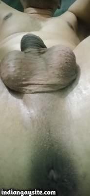 Nude desi boy teasing hot smooth ass and body
