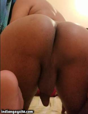 Smooth ass bottom teasing his bubbly butt in pics